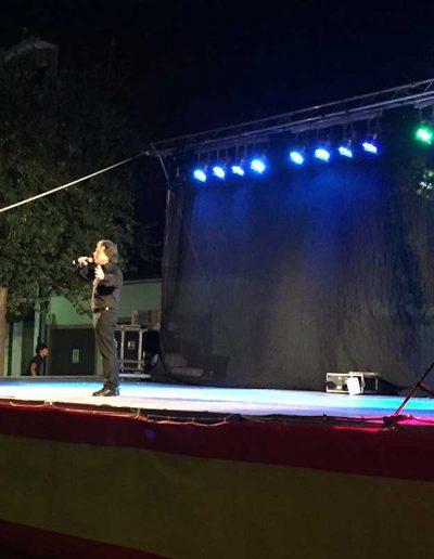 Saulo cantando en Escalonilla